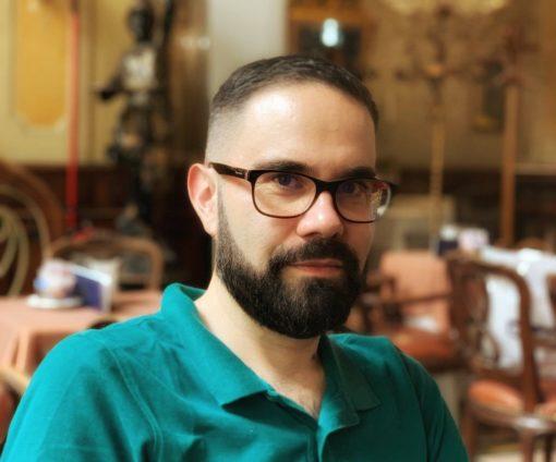 Cristiano Bacchieri, traduttore professionista, settori Multimedia, Sottotitoli e Digital Marketing